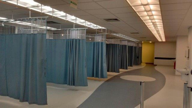 Cortina para divisão de leito hospitalar