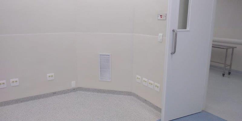 Placa de proteção hospitalar