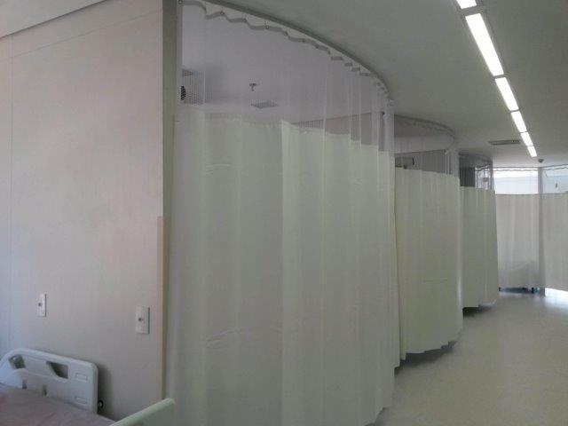 Trilho para cortina hospitalar